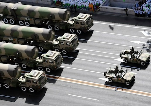 https://i2.wp.com/s2.freebeacon.com/up/2012/12/Chinese-military-parade-to-display-weaponry-AP.jpg