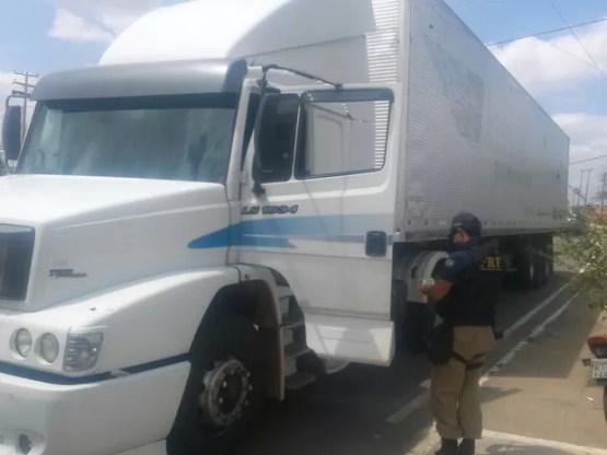 Operação Carga Segura da PRF em Ouricuri (Foto: Divulgação / Polícia Rodoviária Federal)