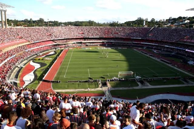 Torcida do São Paulo encheu o Morumbi e deu ao clube a melhor média de público do Paulistão de 2017 (Foto: Luis Moura / Estadão conteúdo)