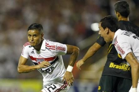 Everton comemora gol do São Paulo contra o Novorizontino — Foto: Thiago Calil/Agif/Estadão Conteúdo