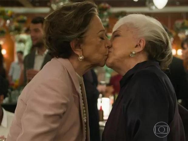 Resultado de imagem para fernanda montenegro beijo gay
