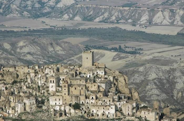 Aldeia medieval de Craco, na Itália