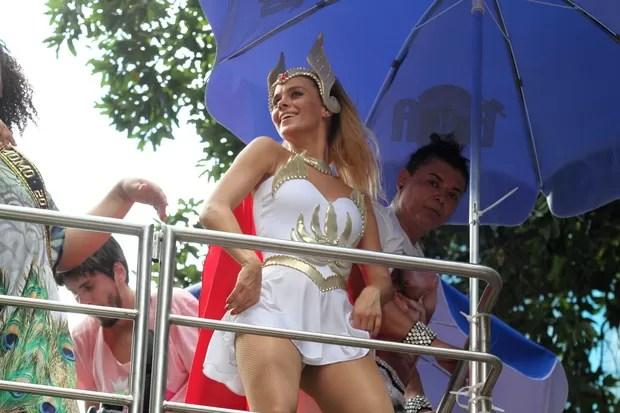 Carolina Dieckmann (Foto: Henrique Oliveira/ Foto Rio News)