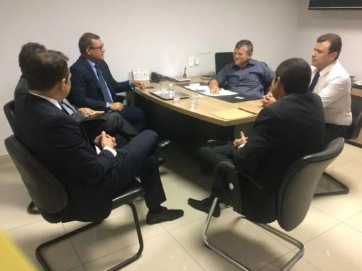 Mudança foi discutida em reunião entre gerentes bancários e a CDL de Mossoró, RN (Foto: CDL Mossoró/Divulgação)