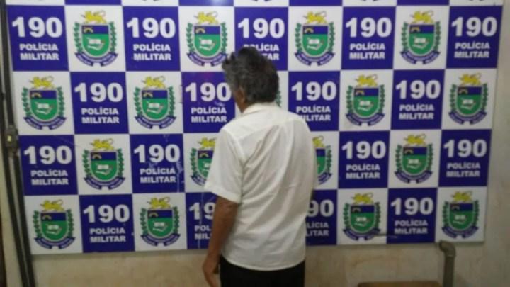 Idoso foi autuado em flagrante  — Foto: PM/Divulgação