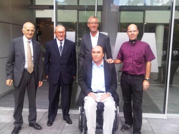 Philippe Streiff com o médico Gerard Saillant, à esquerda — Foto: Divulgação