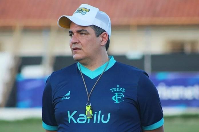 Técnico Tuca Guimarães terá apenas dois dias de treinamento a frente do Galo da Borborema até a partida contra o São Paulo Crystal — Foto: Divulgação / Treze