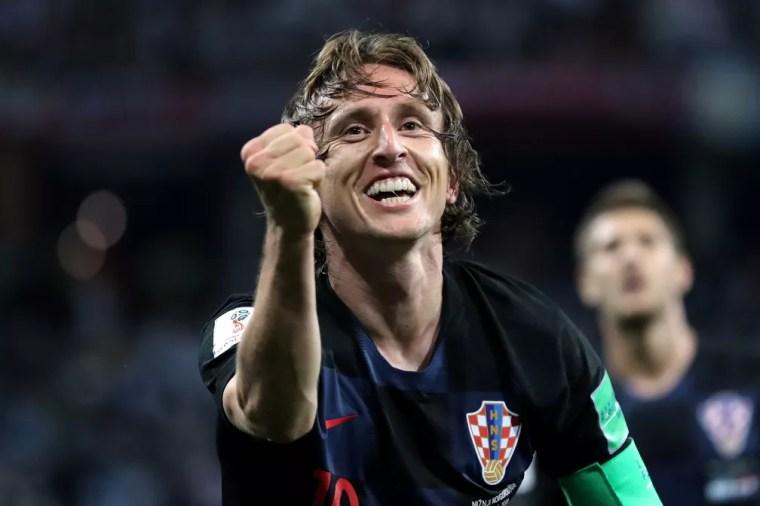 Modric pode se credenciar ao título de melhor do mundo com a conquista da Copa do Mundo (Foto: REUTERS/Ivan Alvarado)