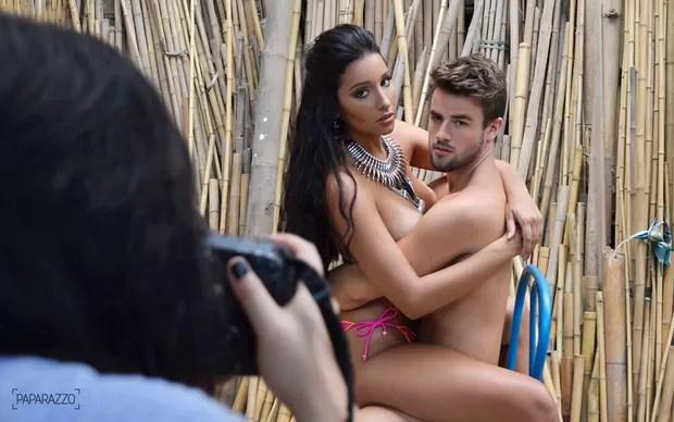 Talita Araújo e Rafael Licks posam para o Paparazzo (Foto: Isabella Selaimen / Paparazzo)