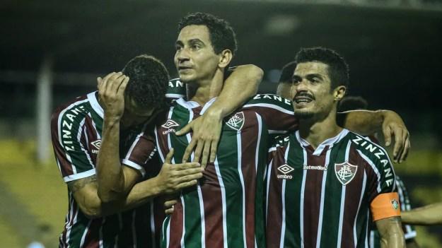 Ganso comemora gol na vitória do Fluminense sobre o Macaé — Foto: LUCAS MERÇON / FLUMINENSE F.C.