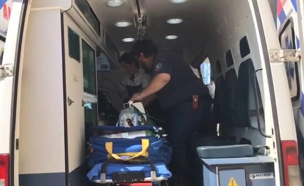 Equipe especializada em transporte de pacientes críticos fez a transferência do bebê prematuro para a Santa Casa de Jaú  (Foto: German's EMS / Divulgação)