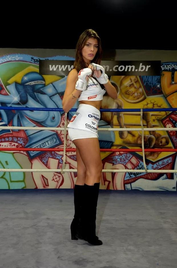 Ex-BBB Franciele Almeida  (Foto: Agnews / AgNews)