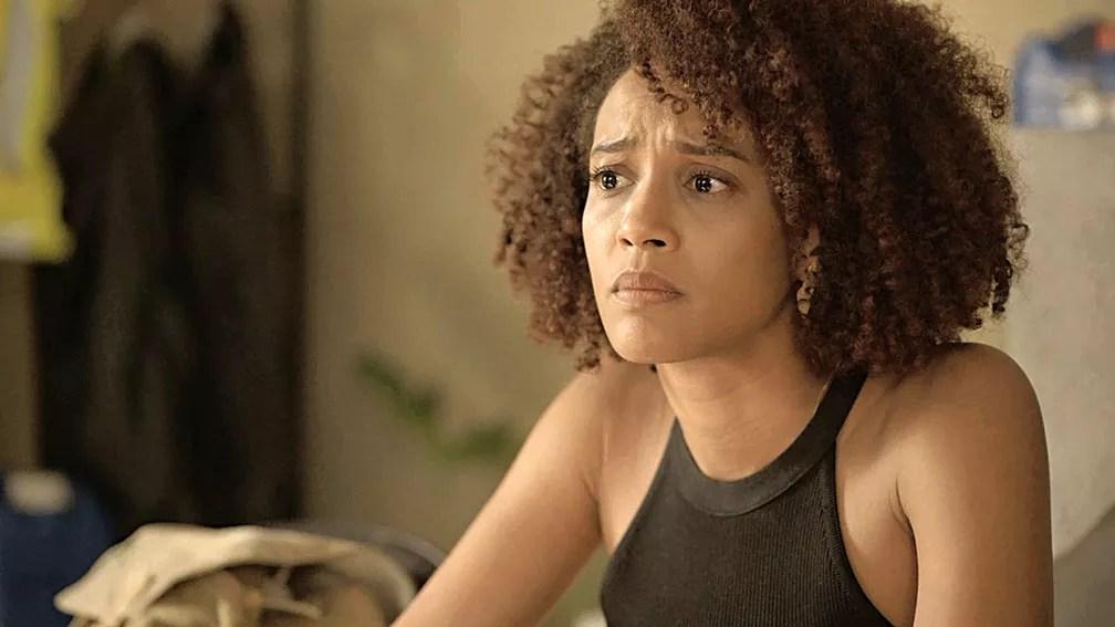 Vitória (Taís Araujo) termina seu relacionamento com Davi em 'Amor de Mãe' — Foto: Globo