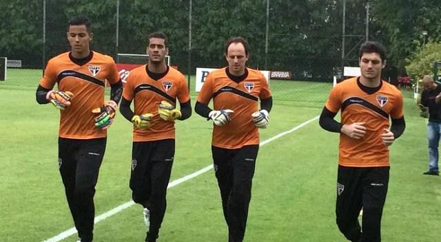 São Paulo goleiros novo uniforme treino (Foto: Marcelo Hazan)