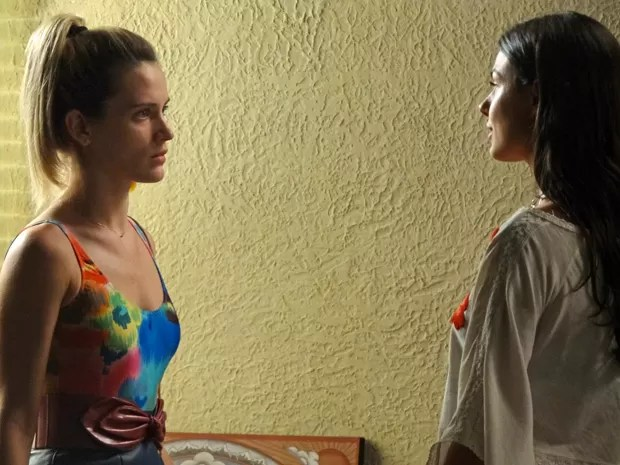 Vitória coloca Sandra contra parede (Foto: Boogie Oogie/TV Globo)