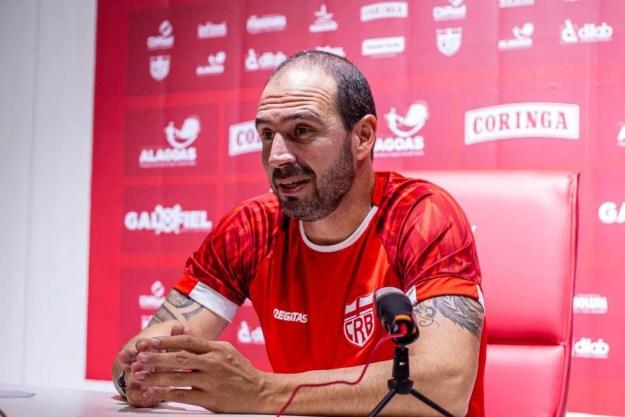 Allan Aal deve ficar no CRB até o fim de 2022 — Foto: Victor Martiniano/Ascom CRB