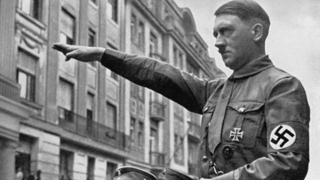 Ao longo dos anos, informações sobre contas ligadas a Hitler surgiram em outros países, como a Suíça — Foto: BBC