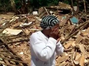 Idosa lamenta demolição misteriosa de casa da família (Foto: Reprodução/TV Bahia)