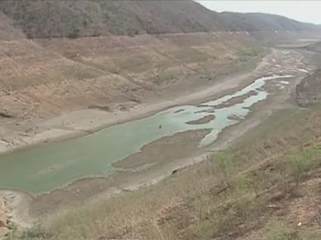 barragem, jucazinho, pernambuco, agua, seca (Foto: Reprodução/ TV Asa Branca)
