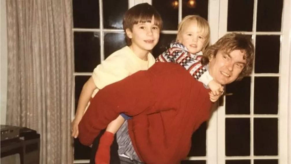 image004 3  - CONTROLE COERCITIVO: Após 10 anos, mulher que matou marido passa o primeiro Natal em família