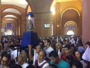Missa de 12 de outubro no Santuário Nacional de Aparecida (Foto: Carlos Santos/G1)