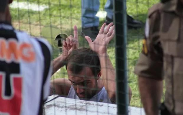 roger Atlético-MG provoca cruzeiro (Foto: Douglas Patrício / Portal 5 Estrelas)