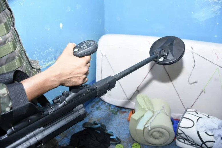 Body scanner ajudou a encontrar drogas (Foto: Divulgação/SSP-AM)