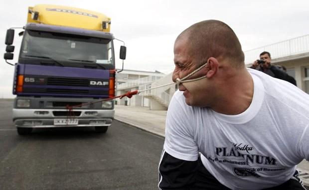 Lasha Pataraia vai tentar recorde neste mês. (Foto: David Mdzinarishvili/Reuters)