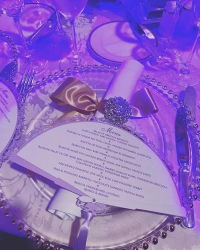Bilionário contrata Mariah Carey e Elton John para casamento