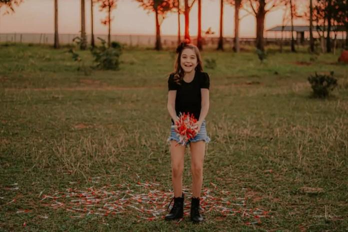 Fotógrafa disse que ficou encantada com o jeito que menina lida com o tratamento — Foto: Aninha Clementtino/Arquivo Pessoal
