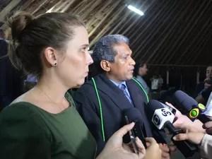 Defesa comemorou veredicto; defensor considera que na prática os dois réus foram absolvidos  (Foto: Emily Costa/ G1 RR)