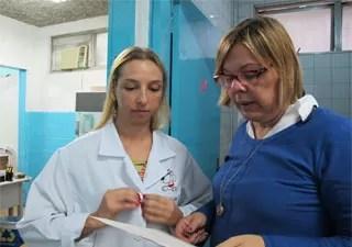 Veterinárias falam sobre cromoterapia (Foto: Mariane Rossi/G1)
