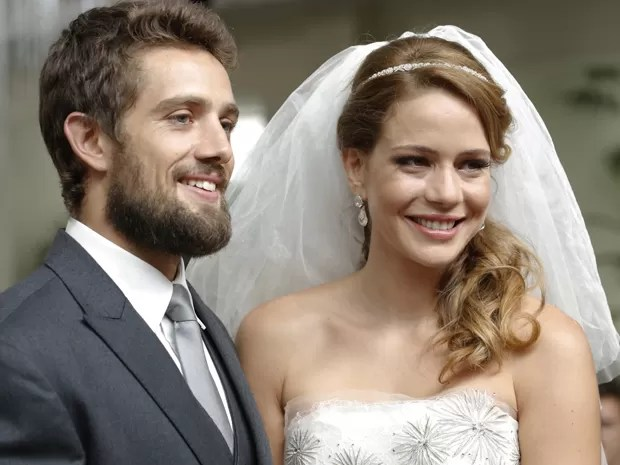 Cris e Vicente finalmente casados (Foto: Felipe Monteiro/TV Globo)