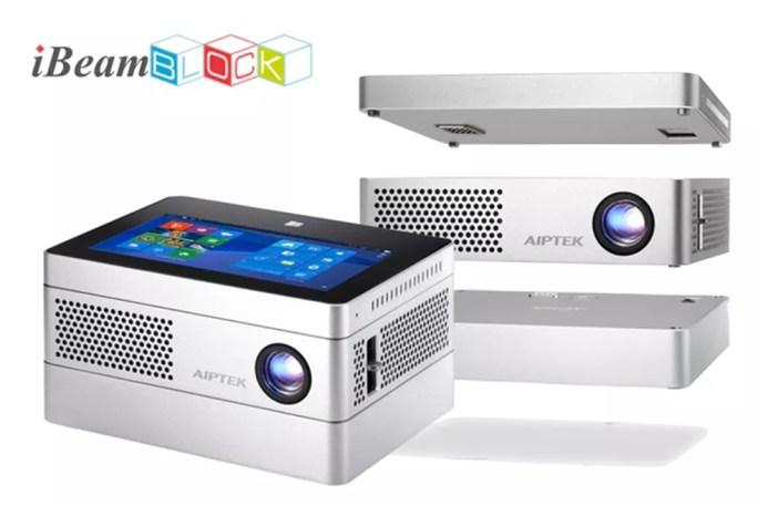 Projetor pode ter funcionalidades expandidas com tablet e bateria (Foto: Divulgação/Aiptek)