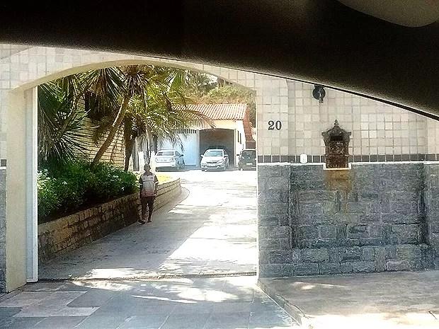 Empresário foi encontrado morto na piscina de casa, em São Luís (MA) (Foto: João Ricardo Barbosa / G1)