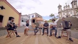 O que os artistas mineiros trouxeram para a música sertaneja? Você vai descobrir com Gusttavo Lima e Paula Fernandes.