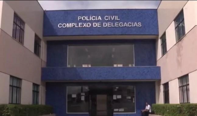 Suspeito foi preso na Delegacia de Furtos e Roubos de Feira de Santana e aguarda transferência para o conjunto penal — Foto: Reprodução/TV Subaé