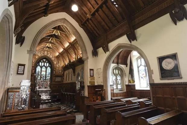 A Igreja de Santa Maria Madalena, em Sandringham, onde a princesa Charlotte será batizada neste domingo (5) (Foto: REUTERS/Joe Giddens)