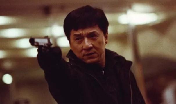 Jackie Chan estrela o filme 'Massacre no Bairro Chinês' (Foto: Divulgação)
