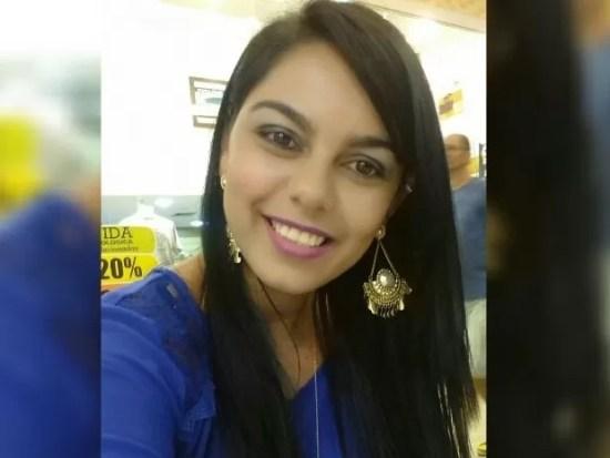 Síntia Nadia de Souza Silva, de 25 anos, foi asfixiada (Foto: Reprodução/Facebook)