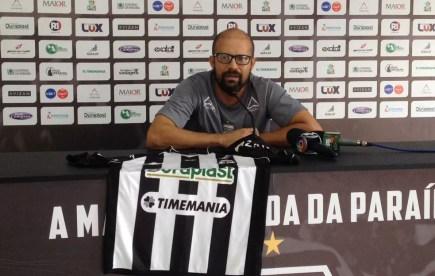 Gerente de futebol do Treze, Gil Baiano confirmou que o clube tem interesse em contar com Marcelinho Paraíba em 2019 — Foto: Bruno Rafael / CBN