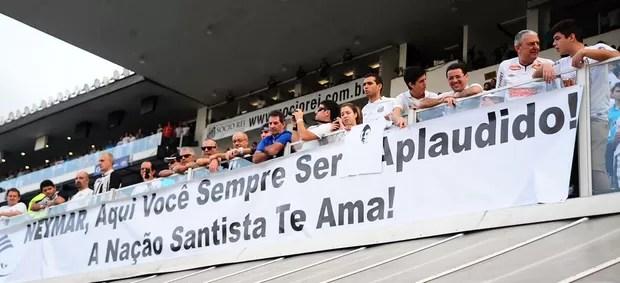 faixa torcida santos neymar e palmeiras paulistão (Foto: Marcos Ribolli / Globoesporte.com)