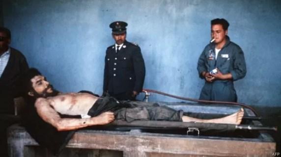 Agência francesa acabou deixando guardadas as fotos do corpo de Che por décadas  (Foto: AFP)