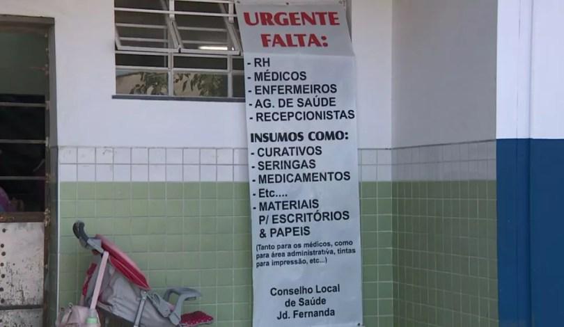 Faixa alerta sobre situação precária de posto de saúde em Campinas (Foto: Reprodução/EPTV)