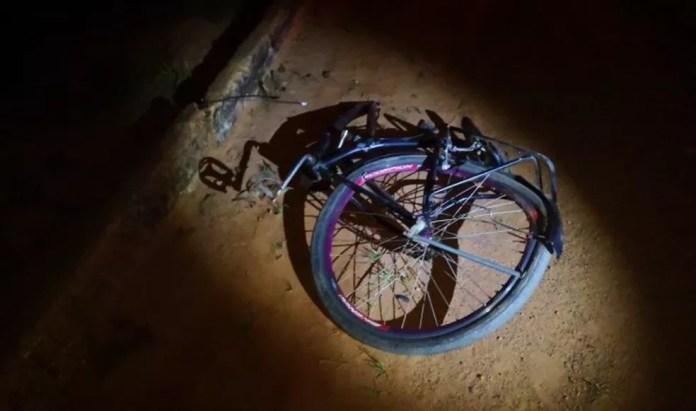 Ciclista morreu no local do acidente, em Brasileia — Foto: Alexandre Lima/Arquivo pessoal