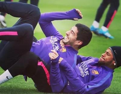 Neymar e Suarez, Treino Barcelona (Foto: Agência AFP)