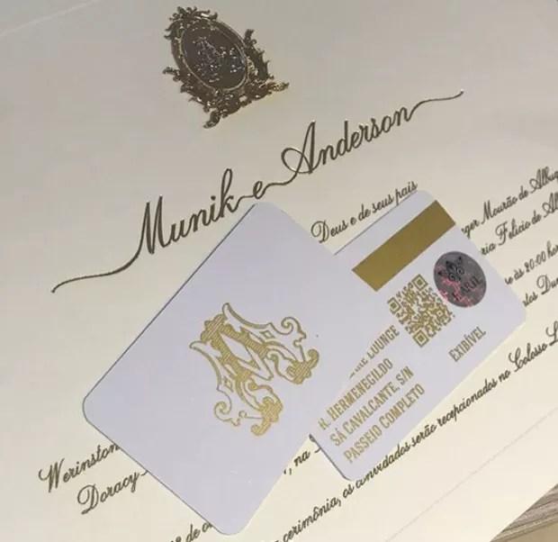 Detalhe do convite de casamento de Munik Nunes e Anderson Felício (Foto: Reprodução/Instagram)