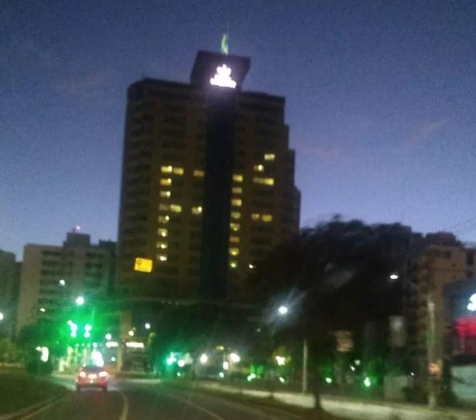 Hotel na Avenida Beira-mar Norte em Florianópolis — Foto: Marcelo Siqueira/ NSC TV
