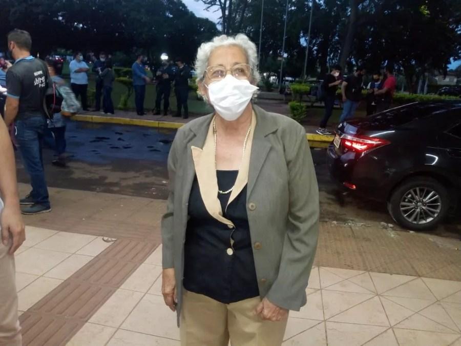 Idosa, de 82 anos é a segunda a ser vacinada em MS — Foto: David Melo/ TV Morena