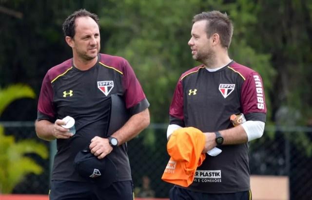 Rogério Ceni e Michael Beale se dividiram no comando do treino do São Paulo (Foto: Érico Leonan / saopaulofc.net)